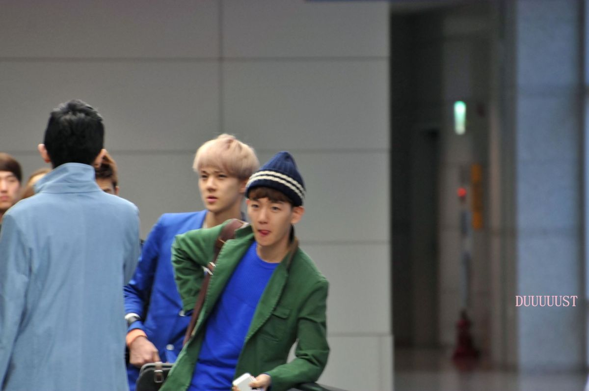 20130317 - Sehun Baekhyun at Incheon airport (from Thailand)